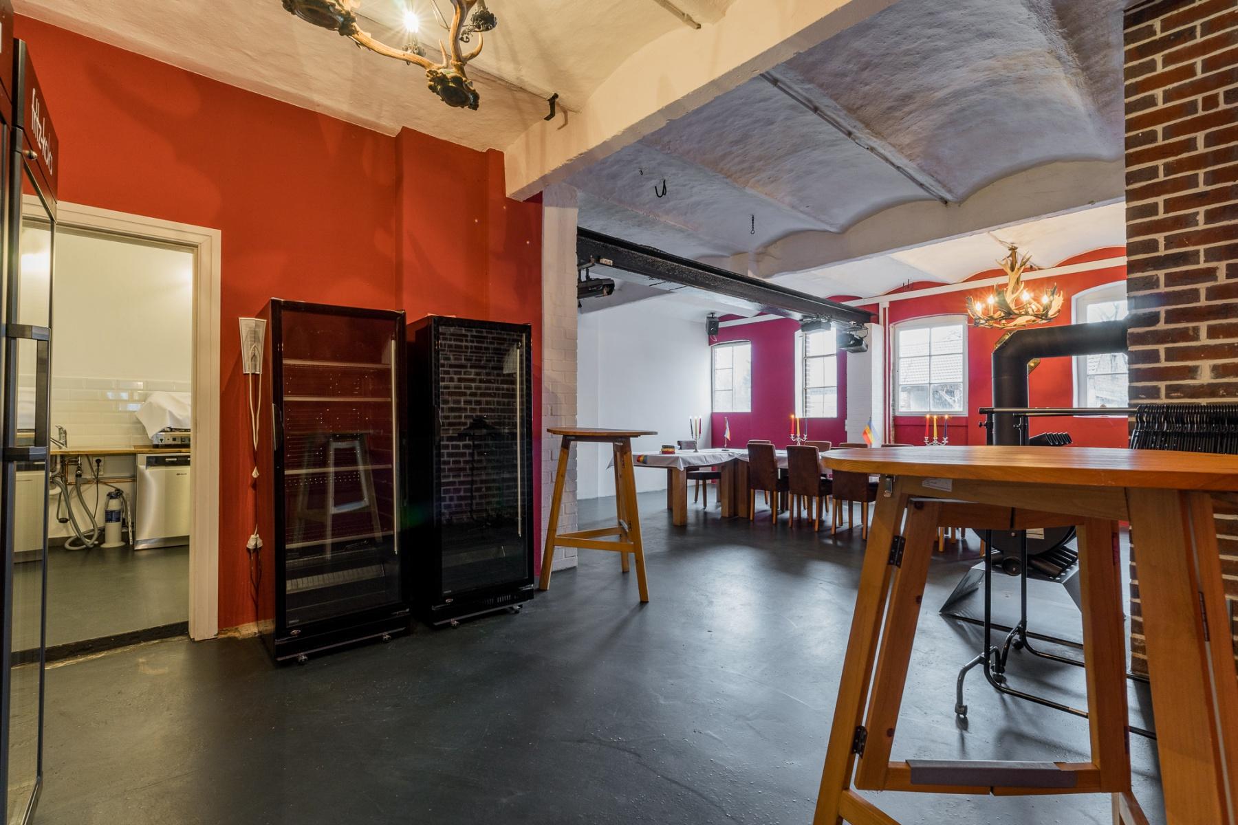 kleiner Raum mit Küche